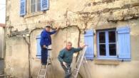 En ce dimanche de fin d'hiver Jean et Daniel sont à l'œuvre. De suppression d'anciens rameaux, aux choix d'yeux prometteurs, la taille sera courte. En tous les cas la […]
