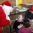 Il y avait beaucoup d'enfants sages à la cantine de l'école pour rencontrer le père Noël. Avec curiosité et parfois un peu d'inquiétude ils ont pu l'observer, le questionner […]
